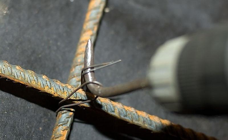 Связывание арматурных прутьев