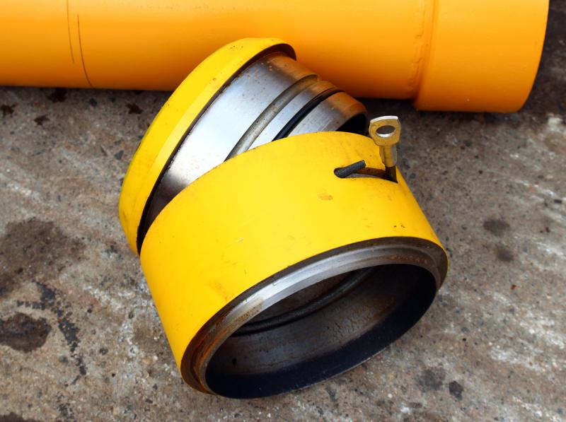 Труба для заливки бетона с донным клапаном