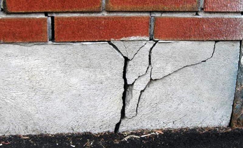 Трещины в основании
