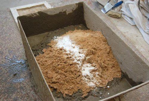 При масштабном строительстве используется такой ящик.