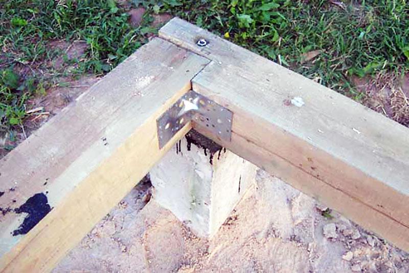 Крепление бруса к бетону