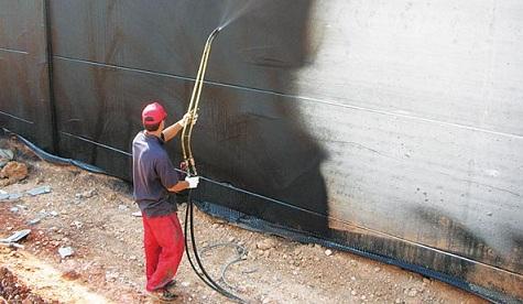 Покрытие бетонной конструкции жидкой резиной.