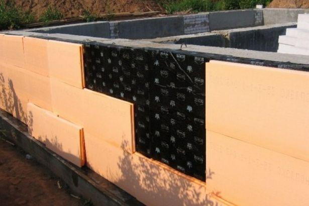 Утепление фундамента позволяет значительно сократить энергозатраты на отопление жилья