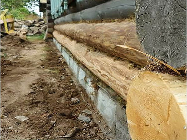 Изображение - готовая лента фундамента из бетонных блоков.