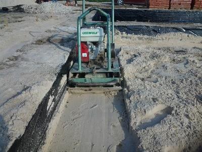 Трамбовщик песка