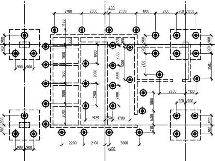 План свайного фундамента с указанием размеров.