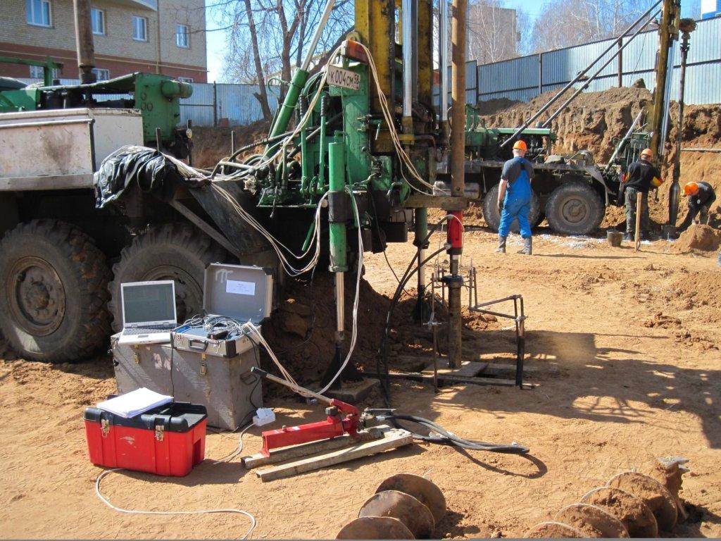 Геологические изыскания для определения особенностей грунта