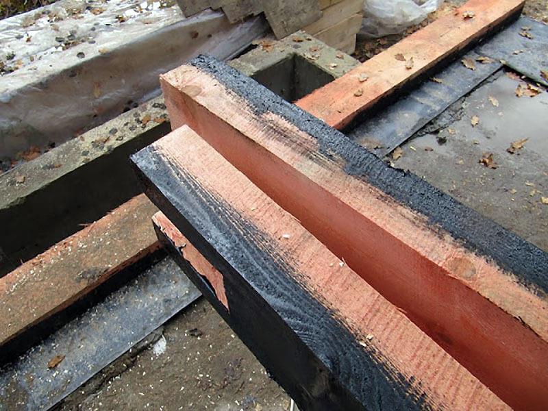 Обработка бруса для тепличного фундамента